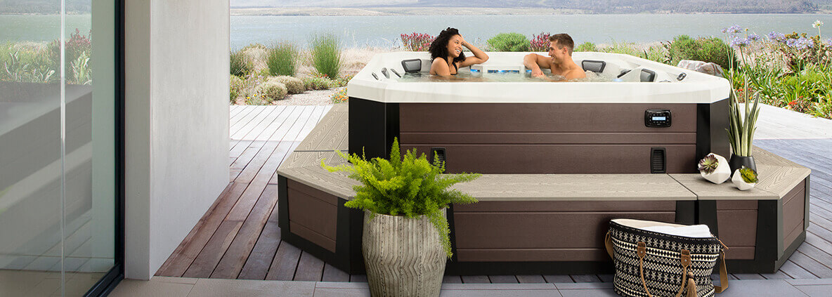 Vector 21 hot tub